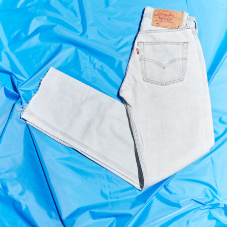 Vintage 501 Levis W26 L32 in Clear Blue